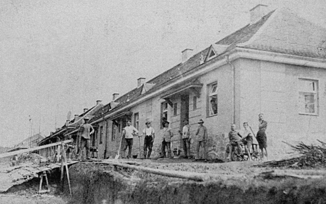 Bild vom Bau der Layritzstraße 10-24 um 1926