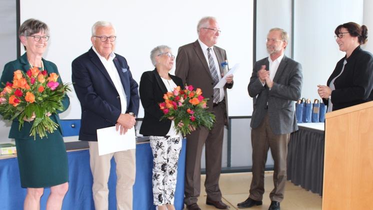 Bild zeigt die Verabschiedung von Klaus Wellen und Gertraud Leukhardt